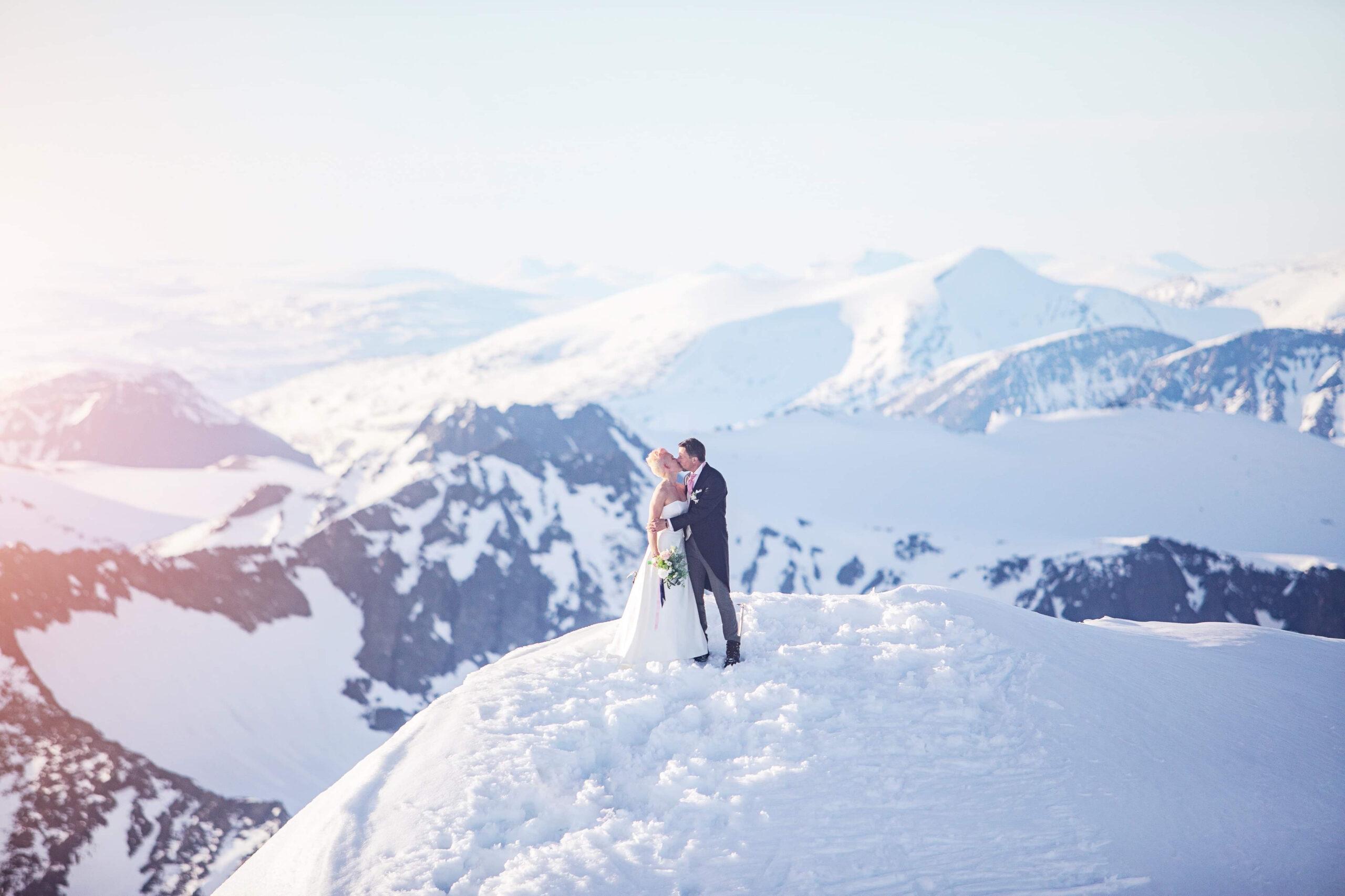 """Att klättra på tak är ett näräventyr"""" – Plåt&Ventmagasinet"""
